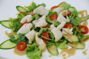 Салат с кальмаром