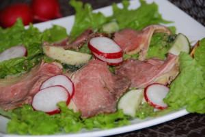 Салат с ротсбифом